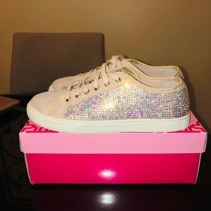 Girl kids Size 4M GB Tennis shoes